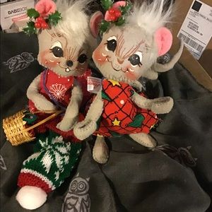 VINTAGE ANNALEE SET OF 2 CHRISTMAS MICE MOUSE CUTE